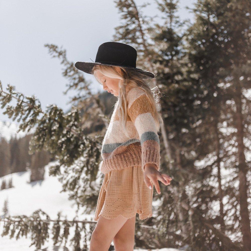 stripe aspen sweater img7