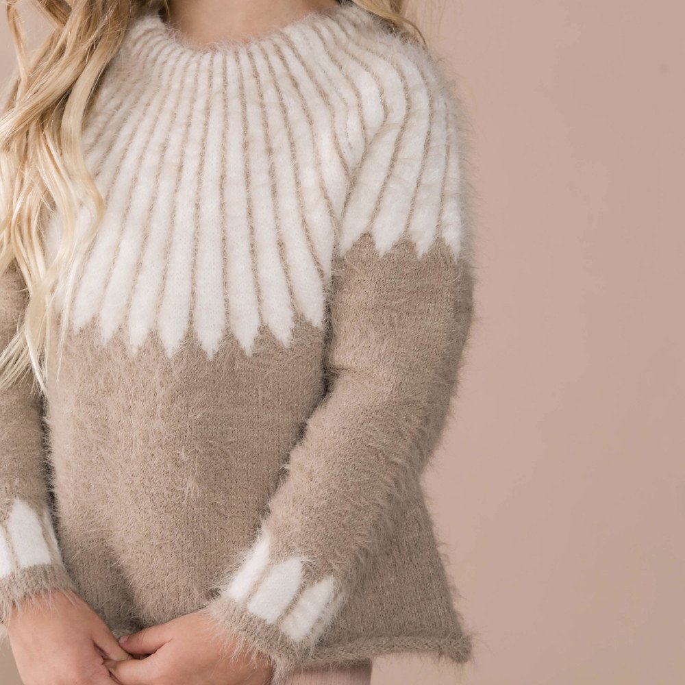chalet sweater img5
