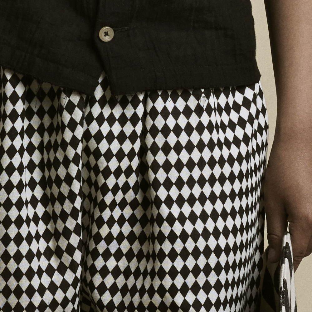【2月末発送予定】Tiny Diamond Short Pants Black img1