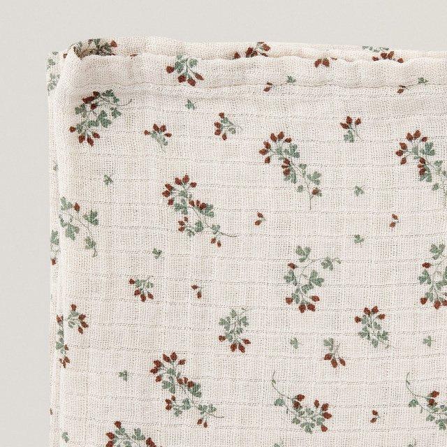 Clover Muslin Swaddle Blanket img3