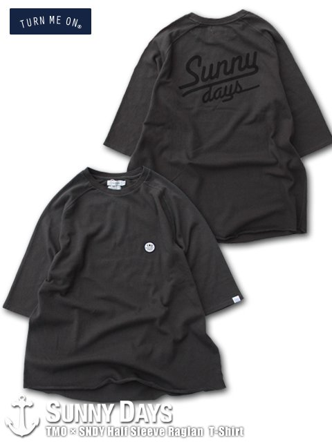 TURN ME ON × SNDY Half Sleeve Raglan T-Shirt (Unisex) チャコールブラック