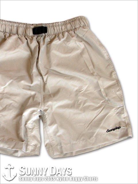 Sunny Days 20SS Nylon Baggy Shorts (Unisex) ベージュ