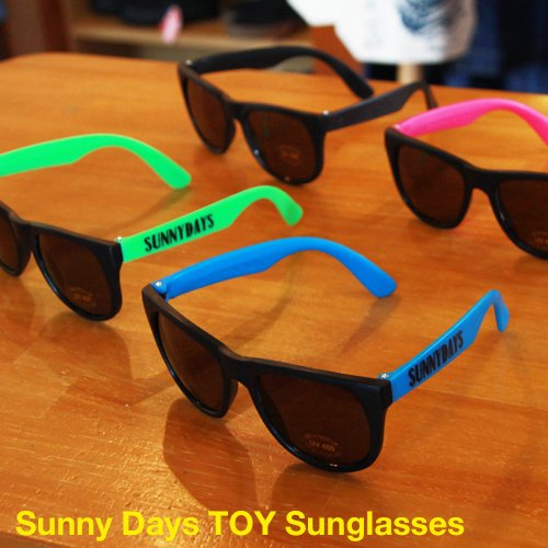 Sunny Days Logo  TOY Sunglasses<img class='new_mark_img2' src='//img.shop-pro.jp/img/new/icons14.gif' style='border:none;display:inline;margin:0px;padding:0px;width:auto;' />