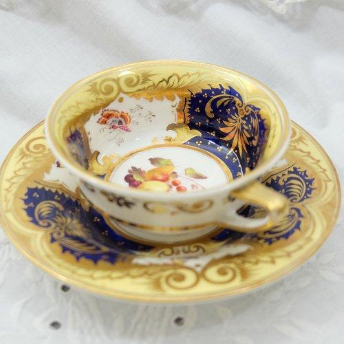 1820年代・H&R ダニエル・手描きのバタフライが珍しいティーカップ&ソーサー・プレゼント付き(送料…