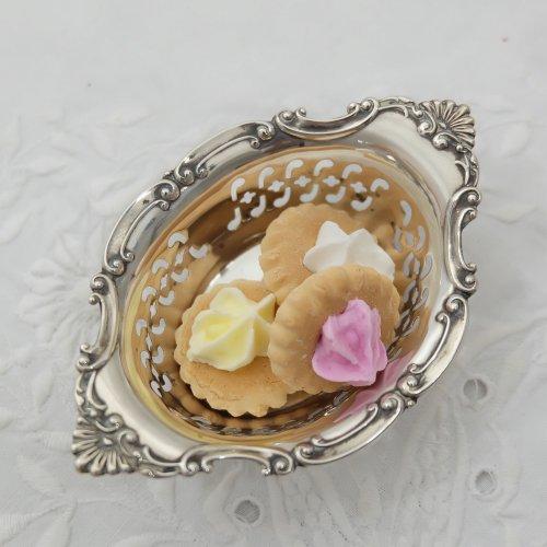 スターリングシルバー・小さな貝殻模様のボンボンディッシュ(送料込)