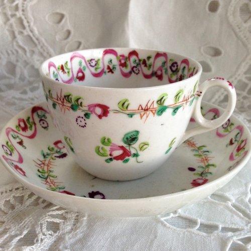 1810年代・ニューホール・ピンクのリボン柄のティーカップ&ソーサー(送料込)