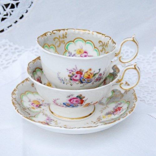 1830年代・ミントンのグレーと金彩とやさしいお花柄のティー・コーヒーカップトリオ(送料込)