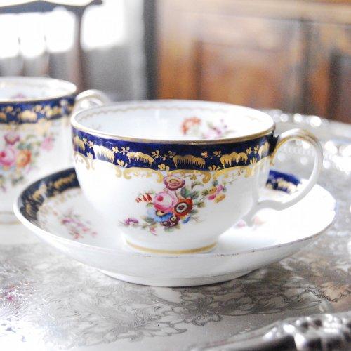 1860年代・ダベンポート・コバルトと手描きの花束のティーカップ&ソーサー・プレゼント付き(送料込)