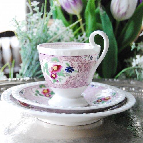 ヴィクトリア時代初期(?)・リッジウェイ・ガドルーンの縁取りの紫色の珍しい絵柄とカップシェイプのコーヒーカップトリオ(送料込)