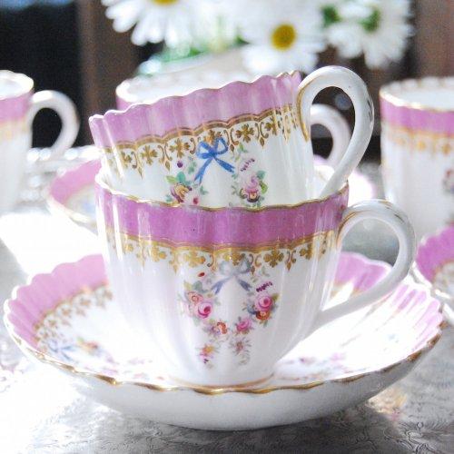 1855年・ミントン・ピンク色と水色の手描きのリボンのティーカップ&コーヒーカップオールドトリオ(送料…