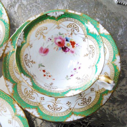 1840年代・サミュエルオールコック・金彩と黄緑色と手描きのお花が爽やかなティーカップ&ソーサー(2)(3)(送料込)