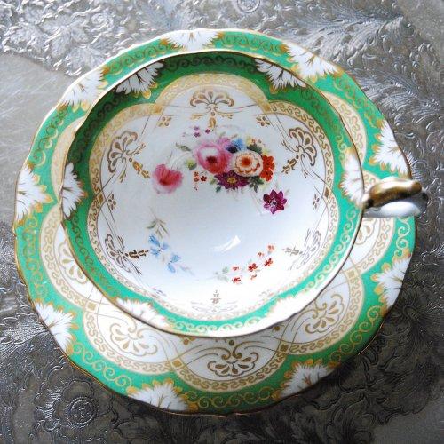 1840年代・サミュエルオールコック・金彩と黄緑色と手描きのお花が爽やかなティーカップ&ソーサー訳あり(送料込)