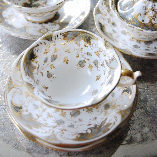 1830年代・ロッキンガム・グレーと金彩のティーカップ&ソーサー (送料込)