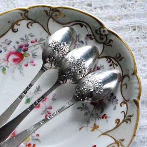 スターリングシルバー・花かご模様のついたピクチャーバックスプーン(1)(2)(3)(送料込)