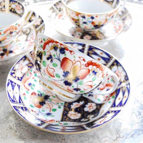 1820年代・ダービーブロワ時代・伊万里パターン手描きのティーカップ&ソーサー(1)(3)(送料込)