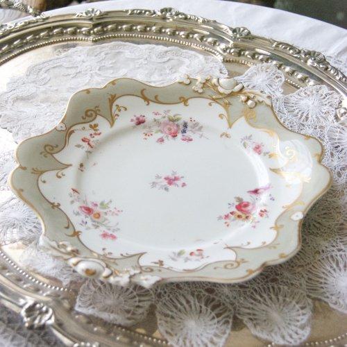 1832年・リッジウェイ・グレーとハンドルのエンボスのバラ模様が可愛らしいサンドイッチプレート(1)(送料込)