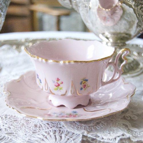 チェコ製・淡いピンクと金彩の天使の羽のようなハンドルの可愛らしいティーカップ&ソーサー(2)(送料込)