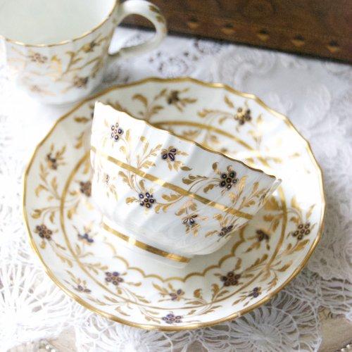 ウースター・フライト期・金彩の柄が全体に描かれたティーボールとコーヒーカップのトリオ(送料込)
