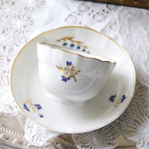 1790年代・ダービー・真っ白い素地と金彩と3色のお花のティーボール&ソーサー(送料込)
