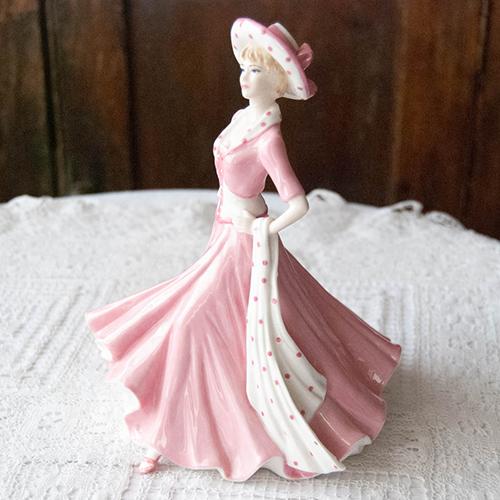 コールポート・フィギュリン・ピンクの水玉ドレスの婦人(送料込)