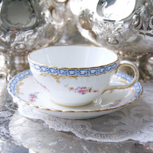 1860年代・ミントン・手描きの可愛らしいブルーの鎖模様のティーカップ&ソーサー(送料込)
