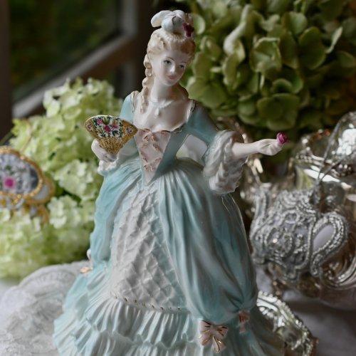 コールポート・水色のドレスのマリーアントワネット・フィギュリン(送料込)