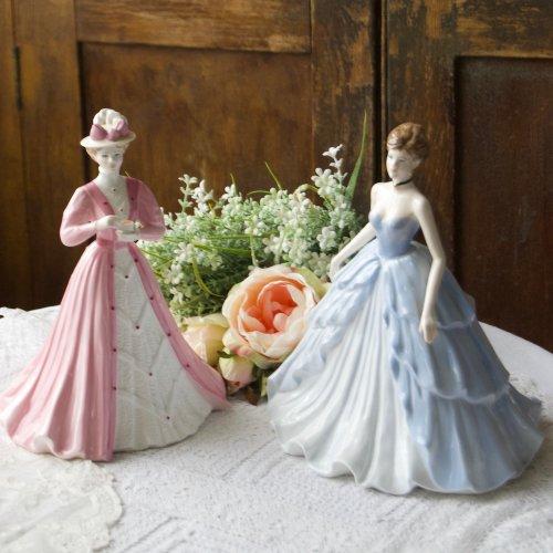 コールポート・リントンズ100周年記念フィギュリン・紅茶を持つドレスとイブニングドレス姿のセット(説明書・証書付き)(送料込)