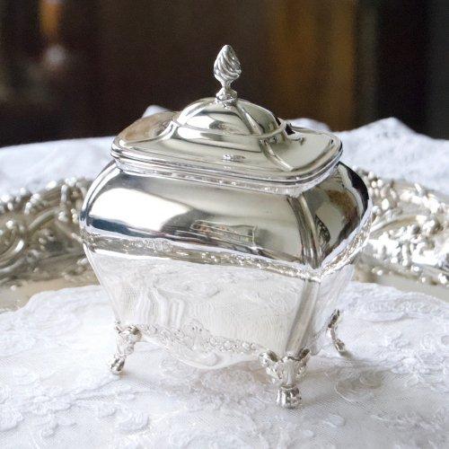 1898年・スターリングシルバー・チェスター・コモードシェイプ・足つきの小さなティーキャディ(送料込)