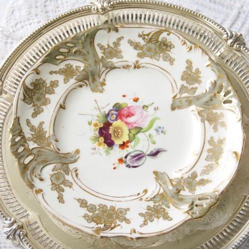 1830年代・コールポート・グレー色・手描きのブーケが美しいデザートキャビネットプレート(送料込)