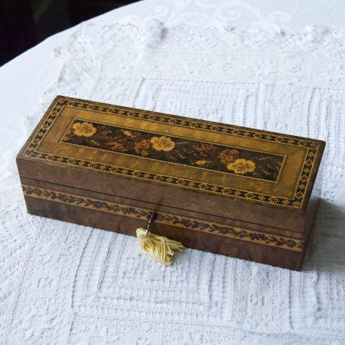 1860年代・タンブリッジウェア・モザイク模様のグローブボックス(送料込)