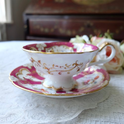 1830年・リッジウェイ フリルのスタンドが優雅なマルーンカラーのカップ&ソーサー(送料込)