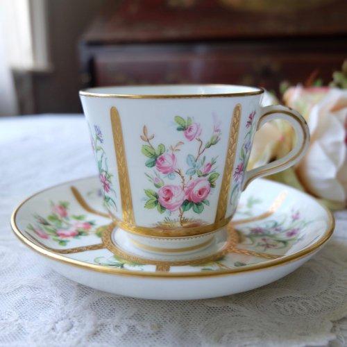 1860年 ミントン お庭のお花たちが描かれたようなカップ&ソーサー(送料込)