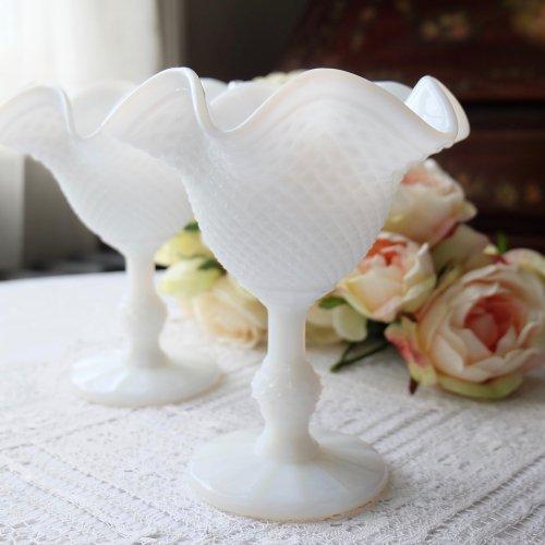 1880年・エレガントなアンティークミルクグラスのサンデーディッシュ(送料込)