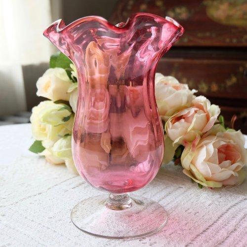 ヴィクトリアントランペット型・クランベリーガラスのフラワーヴァーズ  (送料込)