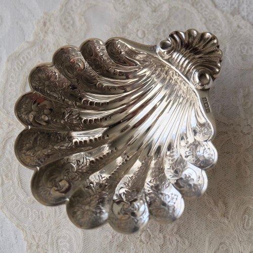 1971年・スターリングシルバーの小さな貝殻の形のスイートディッシュ(送料込)