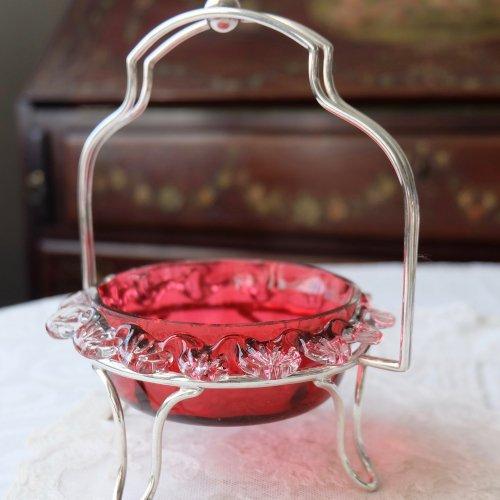 ヴィクトリアン・お花のような縁取りのクランベリーガラスのジャムディッシュ(送料込)