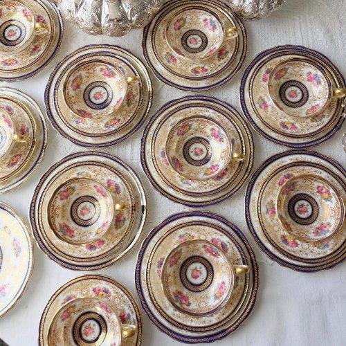 1910年代・コウルドン・金彩とコバルト色と手描きのお花・豪華絢爛なカップ&ソーサートリオ(送料込)
