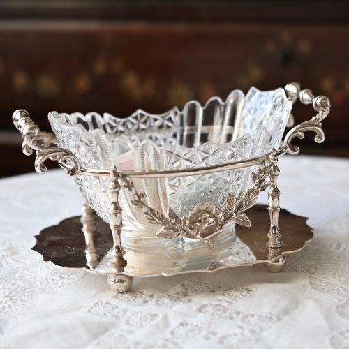 バラ模様のレピュセ細工が美しいナベット型ジャムディッシュ(送料込)