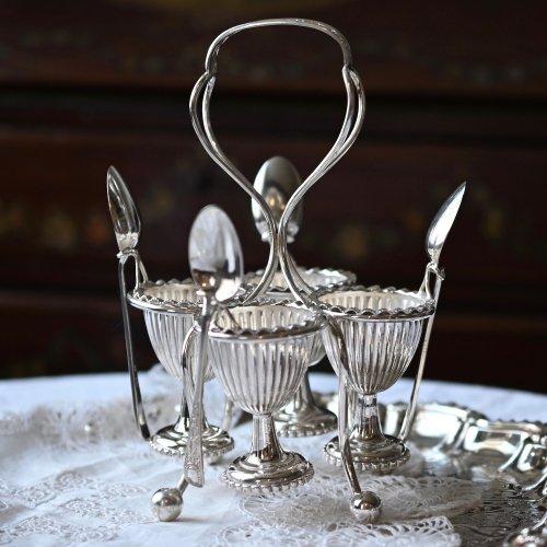 ヴィクトリア時代・シルバープレート製・お花模様のハンドルのエッグクリュエット・4個用(送料込)