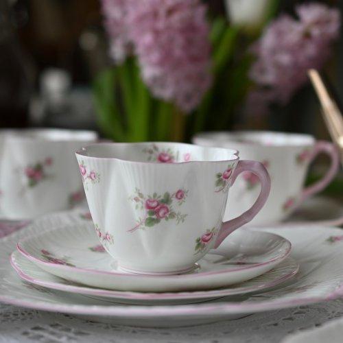 シェリー・ブライダルローズ・ディンティシェイプとピンクのバラ柄 16点セット(送料込)
