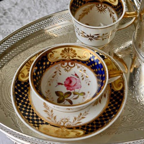 1820年代・H&Rダニエル・珍しいティーカップシェイプ・手描きのバラのトゥルートリオ(送料込)