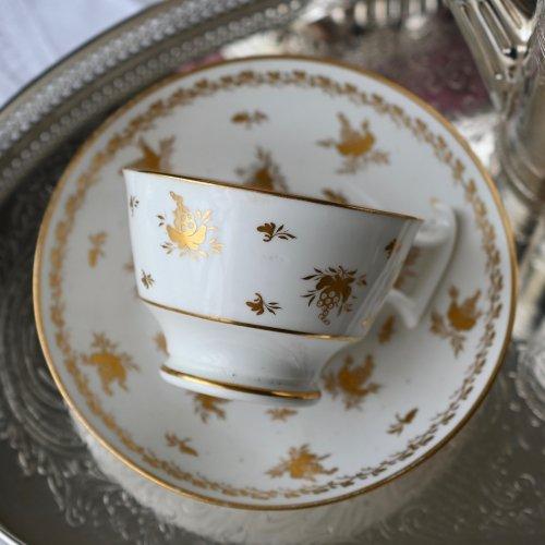 1810年・リッジウェイ・白磁と金彩の葡萄柄の美しいティーカップ&ソーサー(送料込)