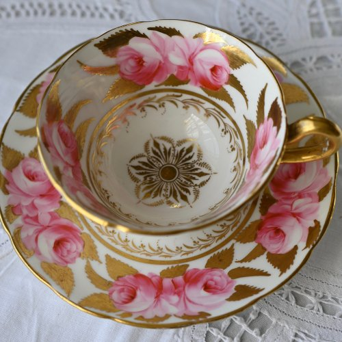 手描きの大輪のピンクの英国のバラのティーカップ&ソーサー(送料込)