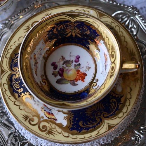 1820年代・H&Rダニエル 有名絵師によるフルーツ柄のトゥルートリオ(送料込)
