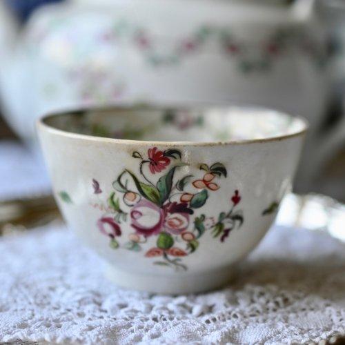 1790年代・ニューホール・小さな手描きのバラの絵柄が素朴なティーボウル単品(送料込)