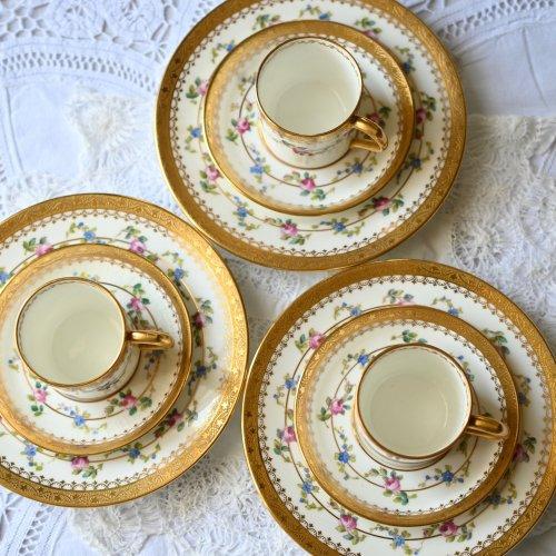 1890年代・ミントン 流星柄のアシッドゴールド装飾が眩いコーヒーカップ&サイドプレート 2客あります。(送料込)