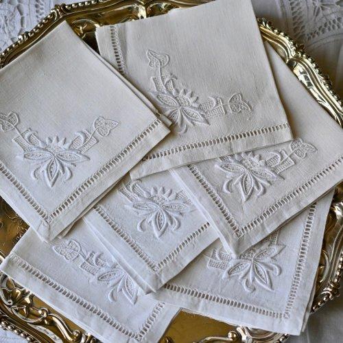 ヴィンテージリネン・透かし柄の入った白糸刺繍のナプキン 6枚セット (送料込)