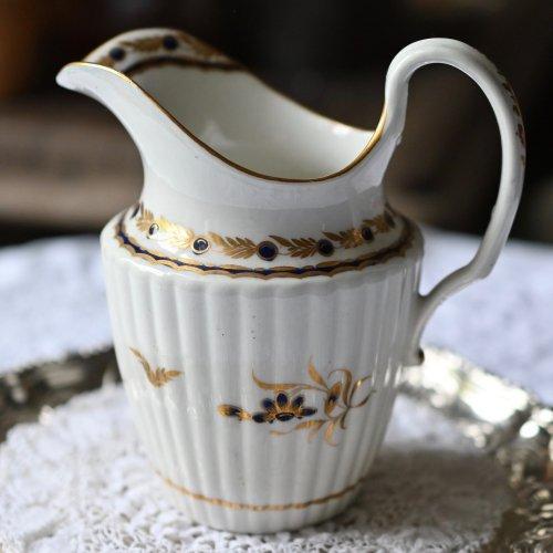 1780年代 ウースター フライト期 ハーフリーデドシェイプ コバルト色の花柄ミルクジャグ (送料込)
