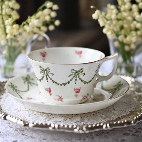 1890年代・アデレイ グリーンのガーランドとバラ模様のカップ&ソーサー デュオ(送料込)