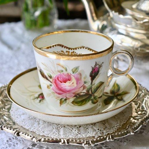 大輪のばらの花が描かれたムスターシュカップ&ソーサー デュオ(送料込)